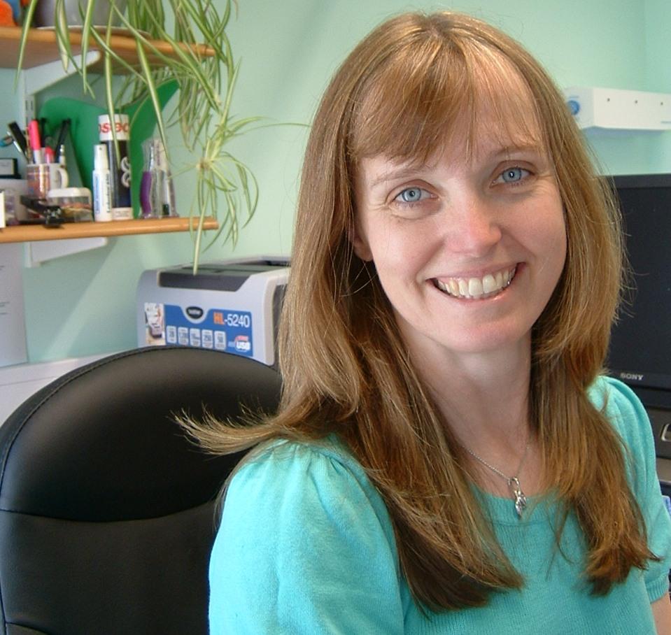 Dr Yvonne Lees